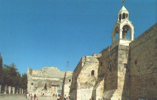 베들레헴 :예수탄생의 바실리카 외부는 강력히 요새화된 건물 모습이다.